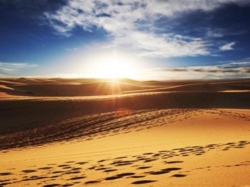 Qasr Al Sarab Desert Resort by Anantara desert sun