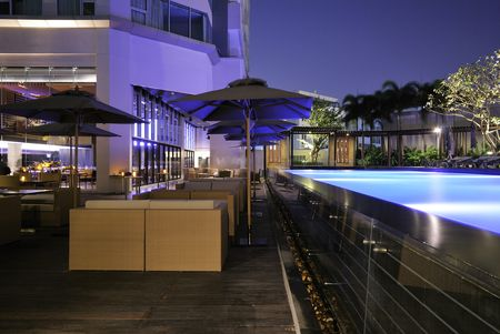 Anantara Bangkok Sathorn pool deck dining