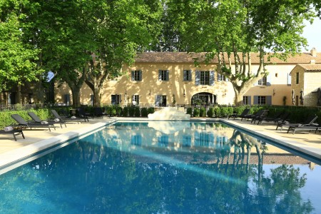 Domaine de Manville - Pool and Exterior